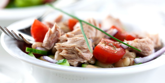 tuna salad_000012981536_Small.jpg