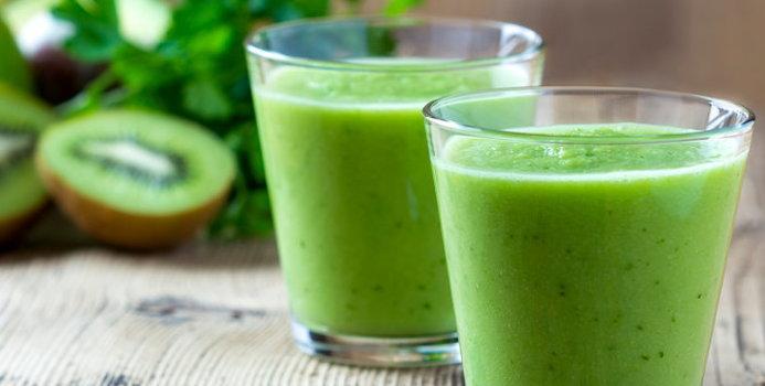 healthy green drink_000034881644_Small.jpg