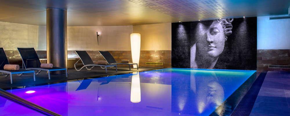 SPA AQUE spa with indoor pool jacuzzi hammam sauna