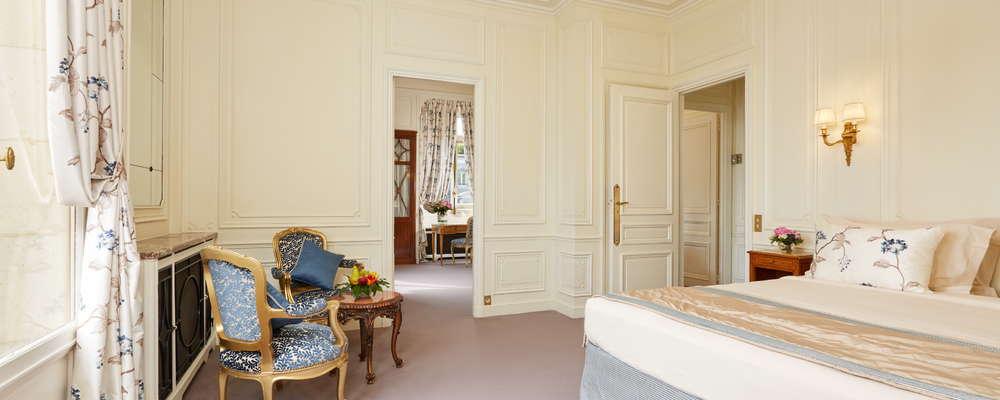 Eiffel Tower Suite