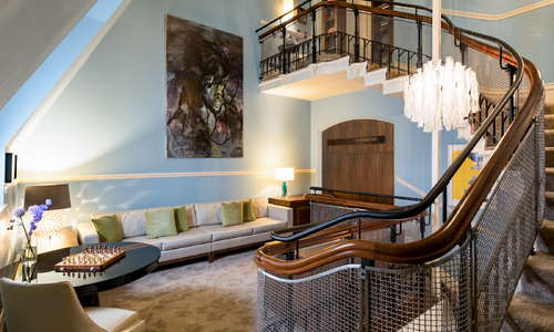 Grand Staircase Suite