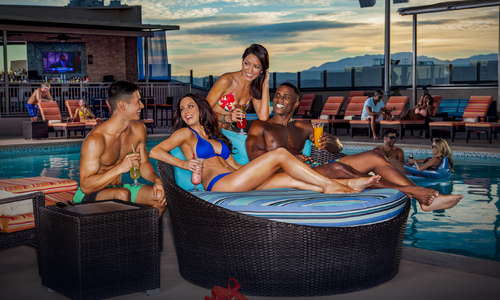 Radius Rooftop Pool & Wet Lounge