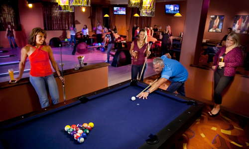 Crush Lounge, sports and entertainment bar with bowling