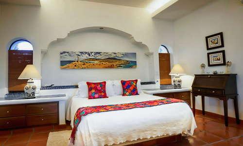 Suite San Juan Diego Bed