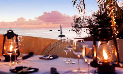 Little Arches Boutique Hotel: Cafe Luna award-winning alfresco dining,