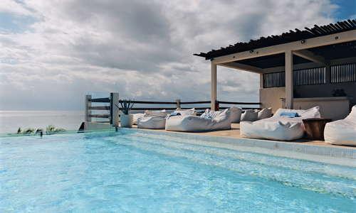 Penthouse Jasmine Pool Bar