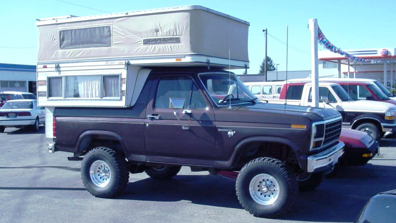 1990 Full Sized Bronco Lite-Craft Camper