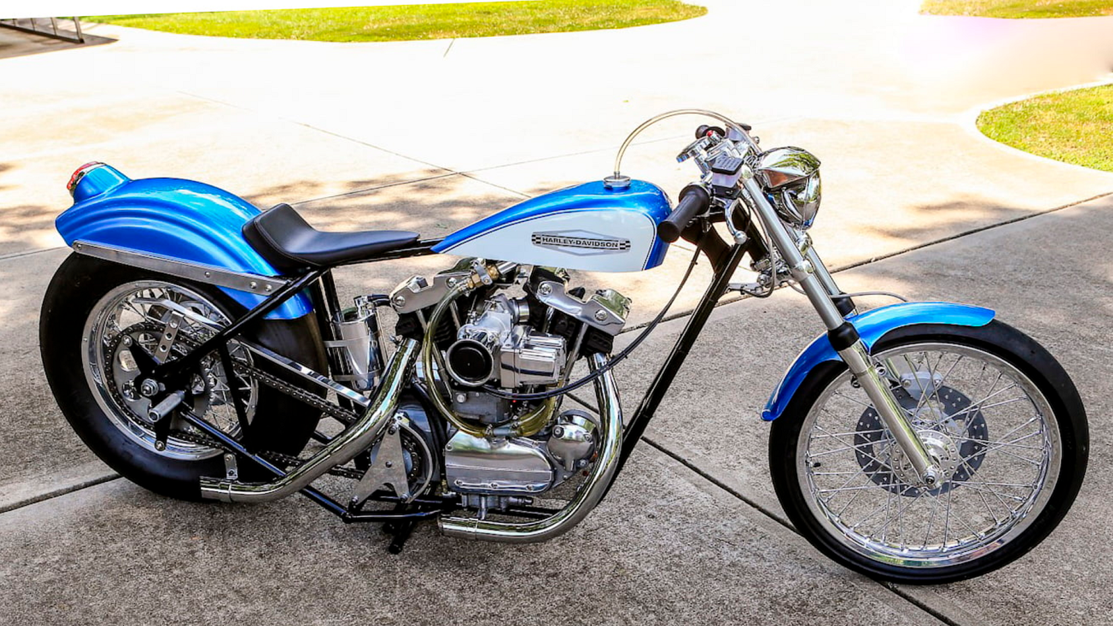 Vintage Harley Drag Bike Is the Epitome of Show and Go
