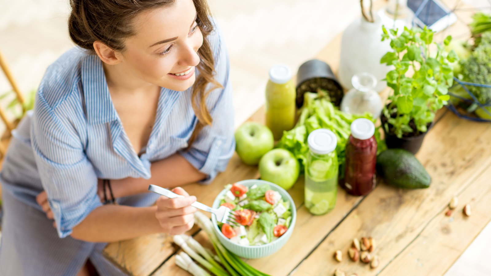 women eating healthy food