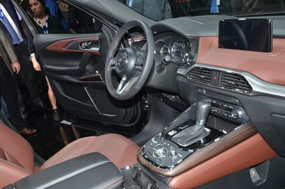 2016 Mazda CX-9 Signature dash and center stack detail