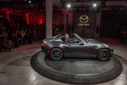 2017 Mazda MX-5 Miata RF top-down mode