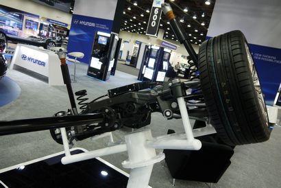 2015 Hyundai Genesis rear suspension