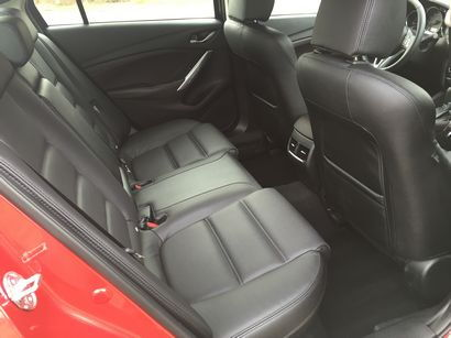 2016 Mazda Mazda6 Grand Touring rear seating detail