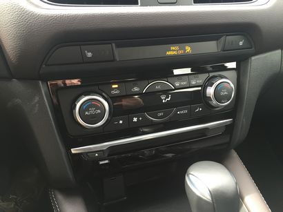 2016 Mazda Mazda6 Grand Touring HvAC controls detail