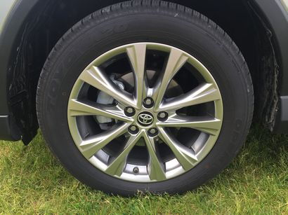 2016 Toyota RAV4 Limited AWD alloy wheel detail