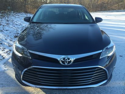 2016 Toyota Avalon Limited front fascia