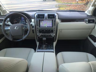 2016 Lexus GX460 dashboard