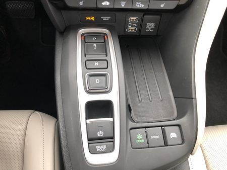 2019 Honda Insight Touring transmission selector