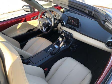 2019 Mazda MX-5 Miata Grand Touring cockpit