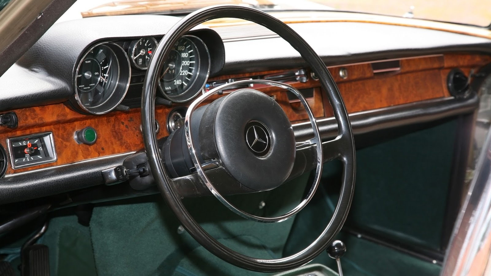 Mercedes 300 SEL 6.3: Ultimate Luxury