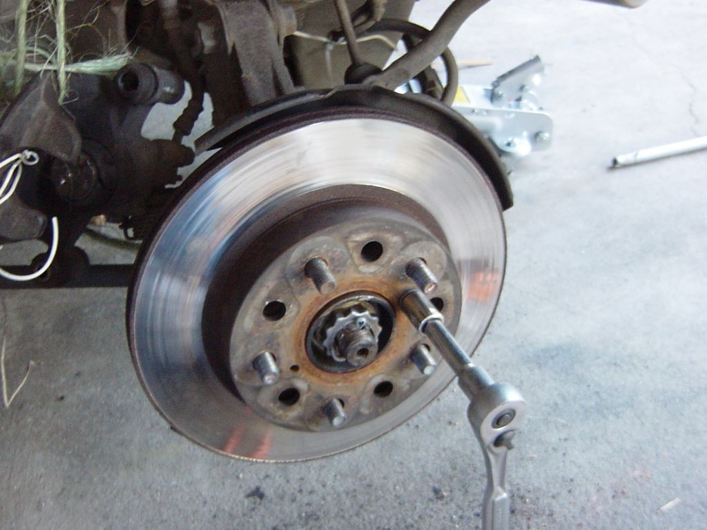When To Change Brake Lining : Ford mustang gt to how replace brake pads