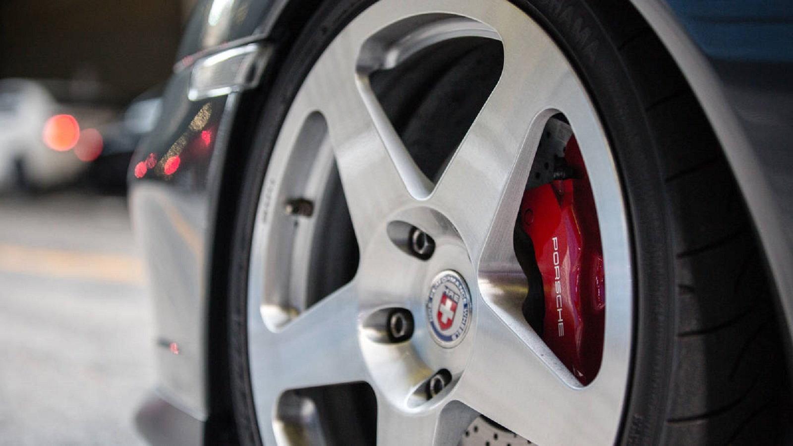 Photographer Larry Chen's Porsche 996 Turbo