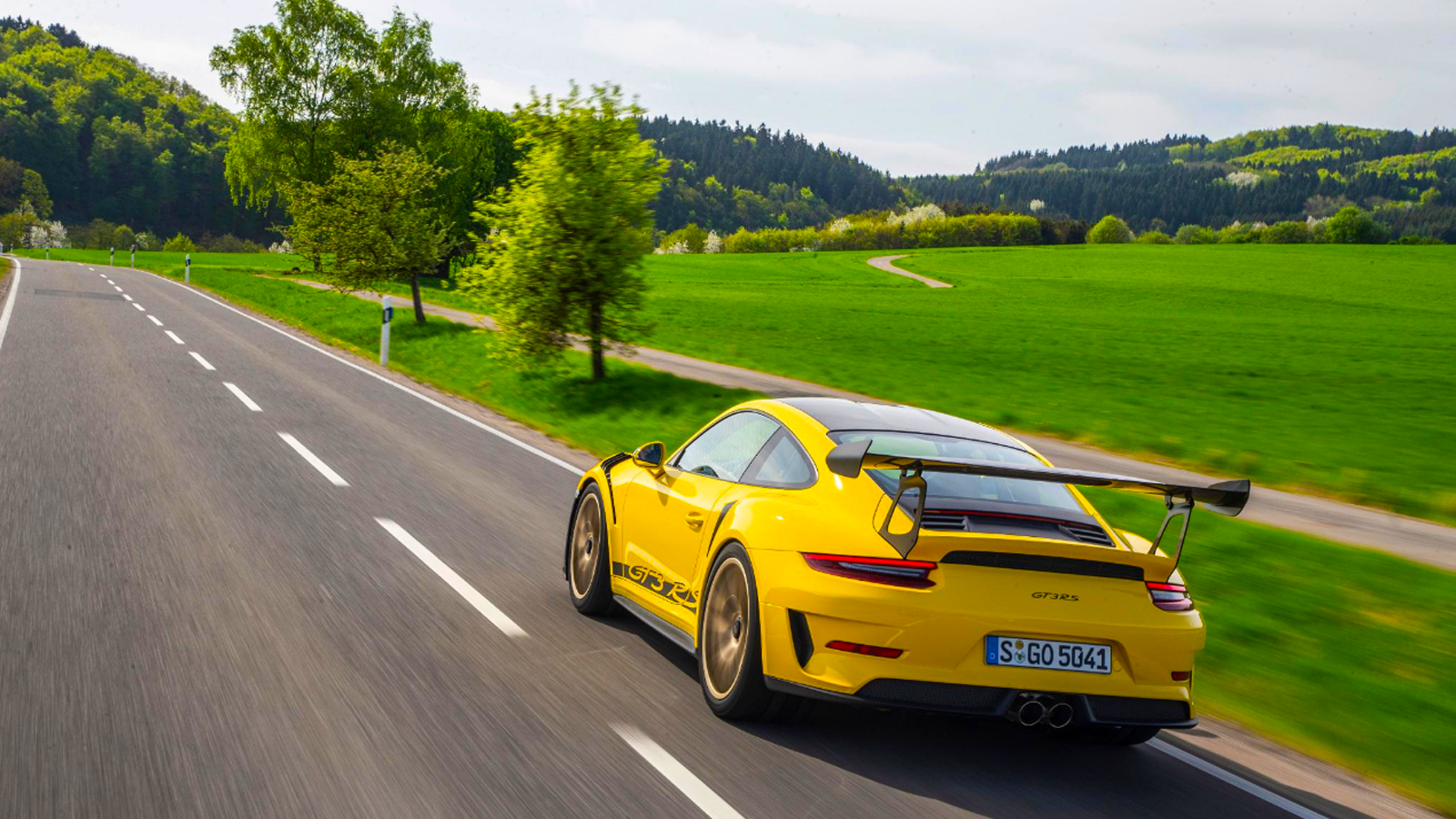 2019 911 GT3 RS Gets a Bump With Weissach Package