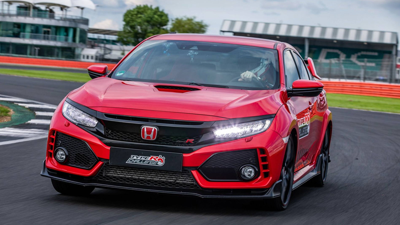 Civic Type R Breaks Record at Silverstone