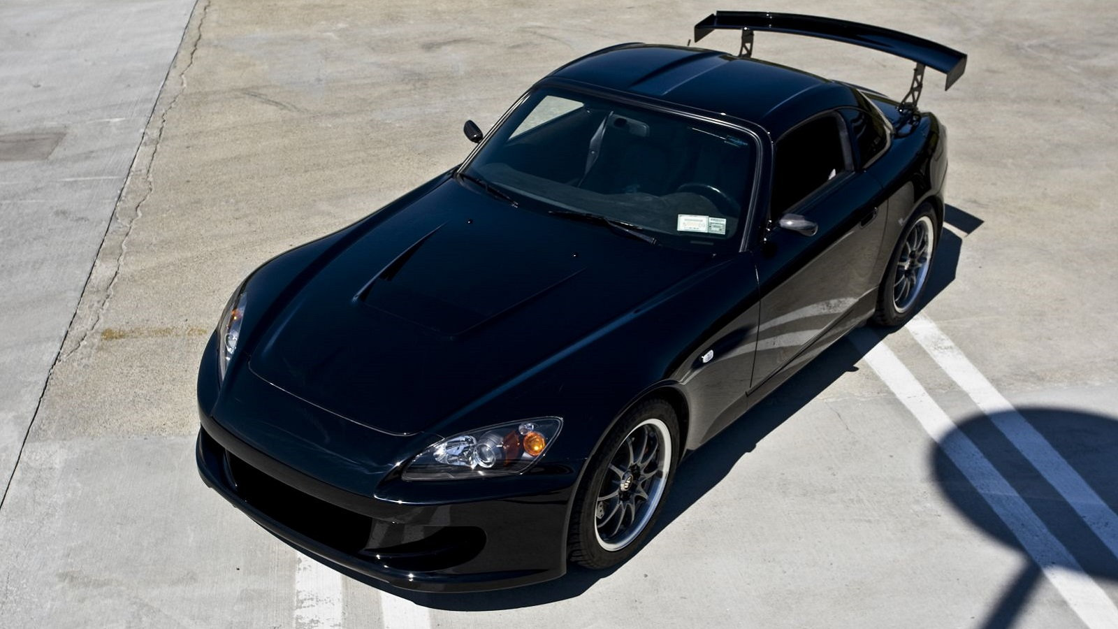 Honda S2000: To Wing or Not to Wing?