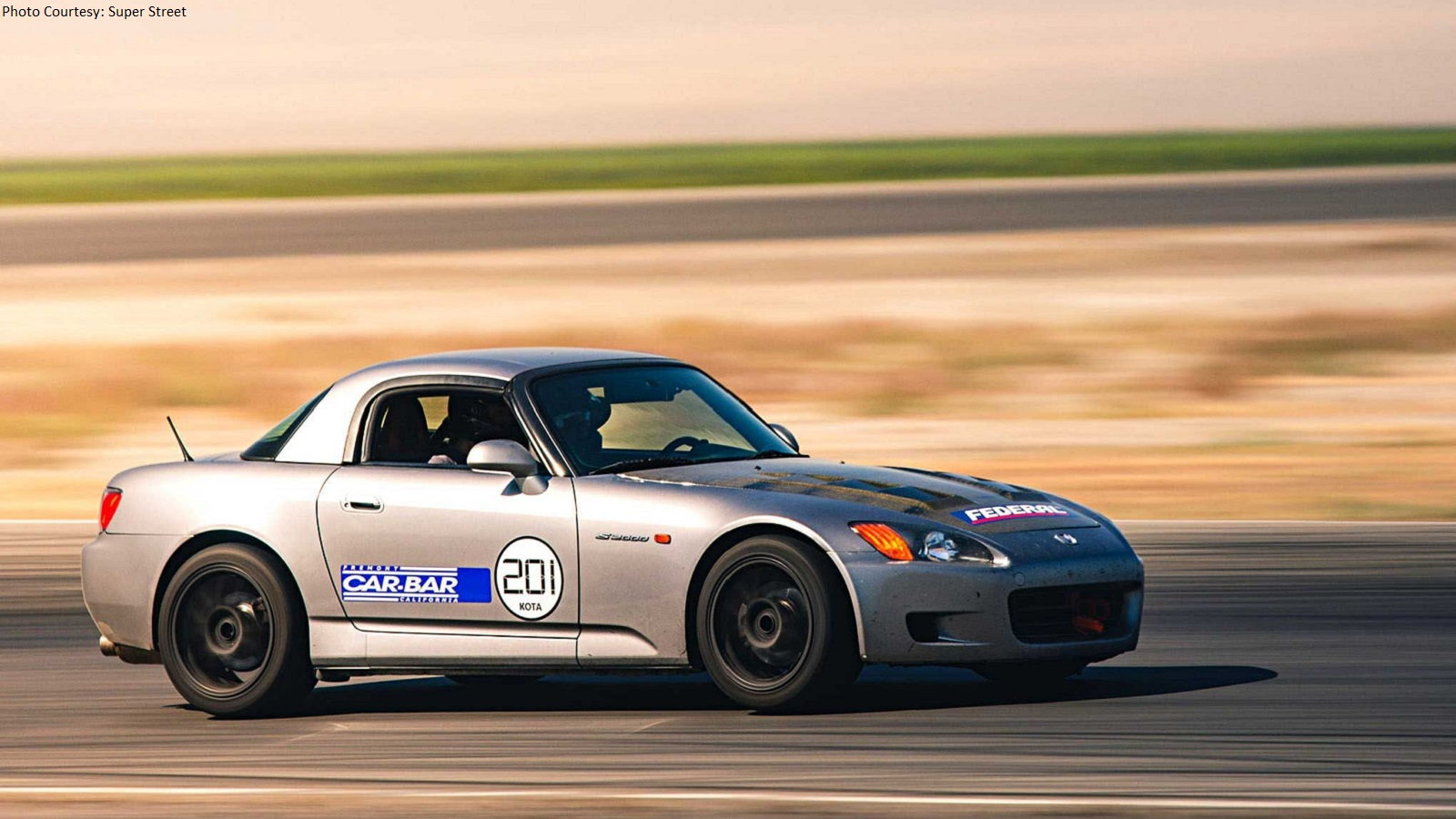 VTEC Club Lets Loose at Buttonwillow