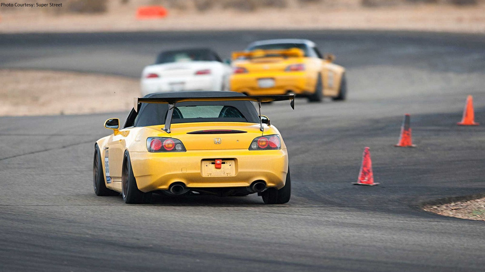 VTEC Club Starts the Year Off Right with a Track Day