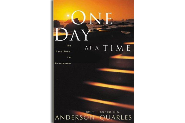 "Front cover of the book ""One Day at a Time"" by Neil Anderson, Mike Quarles and Julia Quarles"
