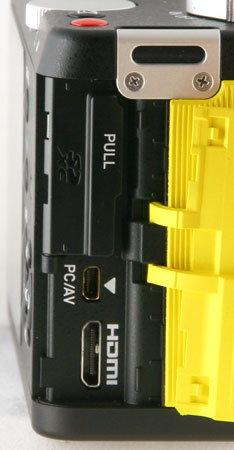 Pentax-K-01_side1_open.jpg