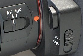sony_a550_af_mf_switches.jpg