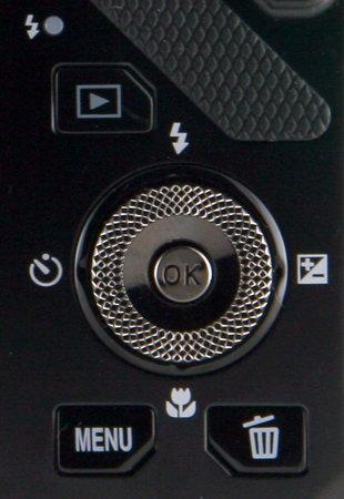 Nikon S9300-4way.jpg