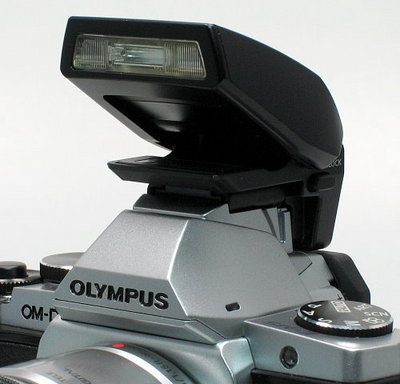 olympus_e-m5_flash-front.jpg