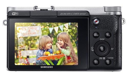 Samsung_NX3000_Back_Black.jpg