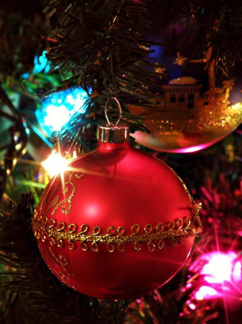 CHRISTMAS-BULB.jpg