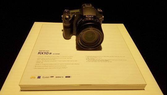 RX10_Specs.jpg