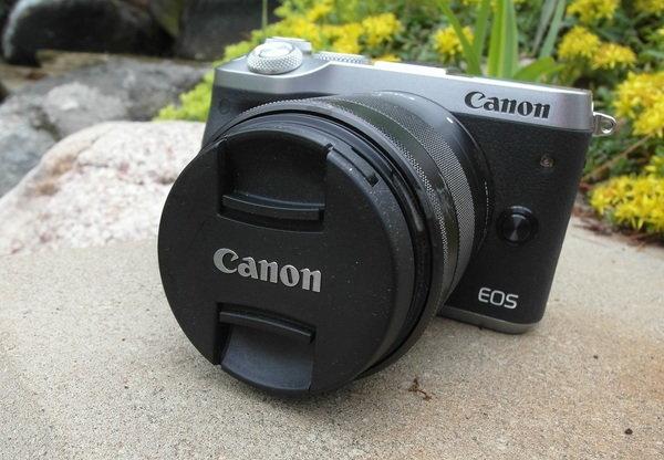 front right lens cap 2 Canon M6.jpg