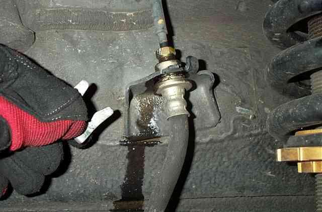 Toyota Tacoma and 4Runner removing brake line