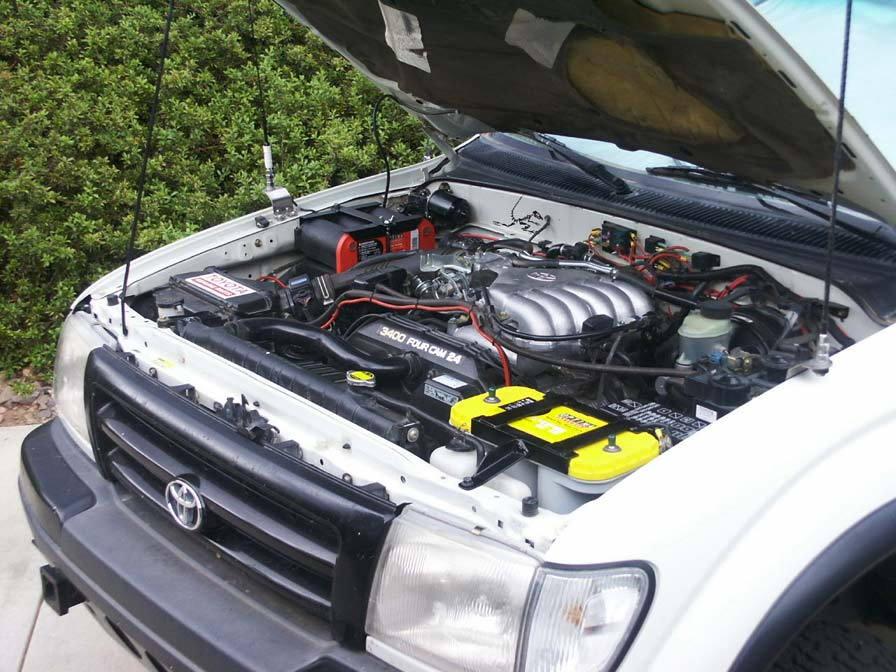 Toyota 4Runner engine bay