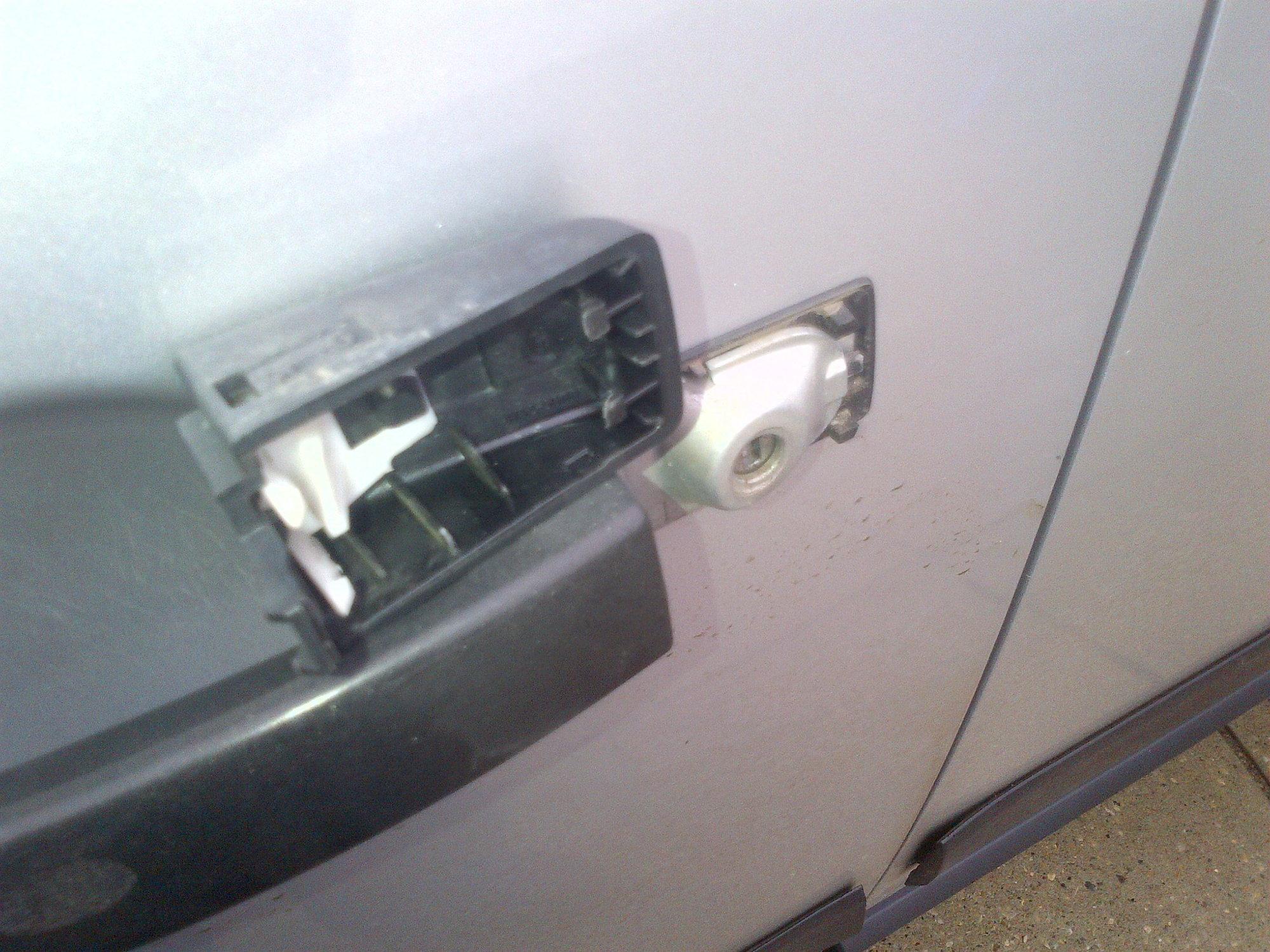 LR3 Door will not lock or unlock - Land Rover Forums - Land
