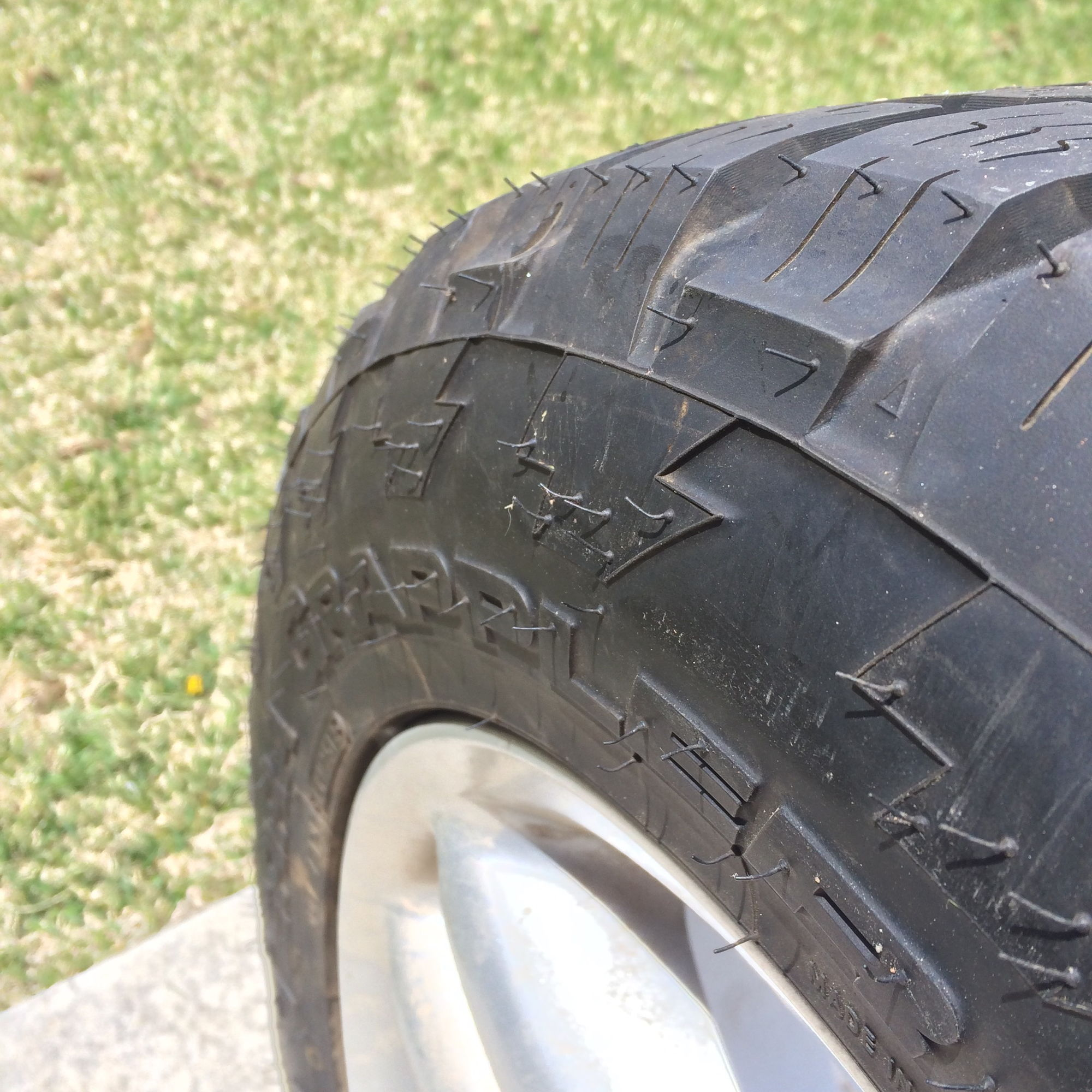 255 55 R18 Nitto Grapplers On 18 Quot Hurricanes Land Rover