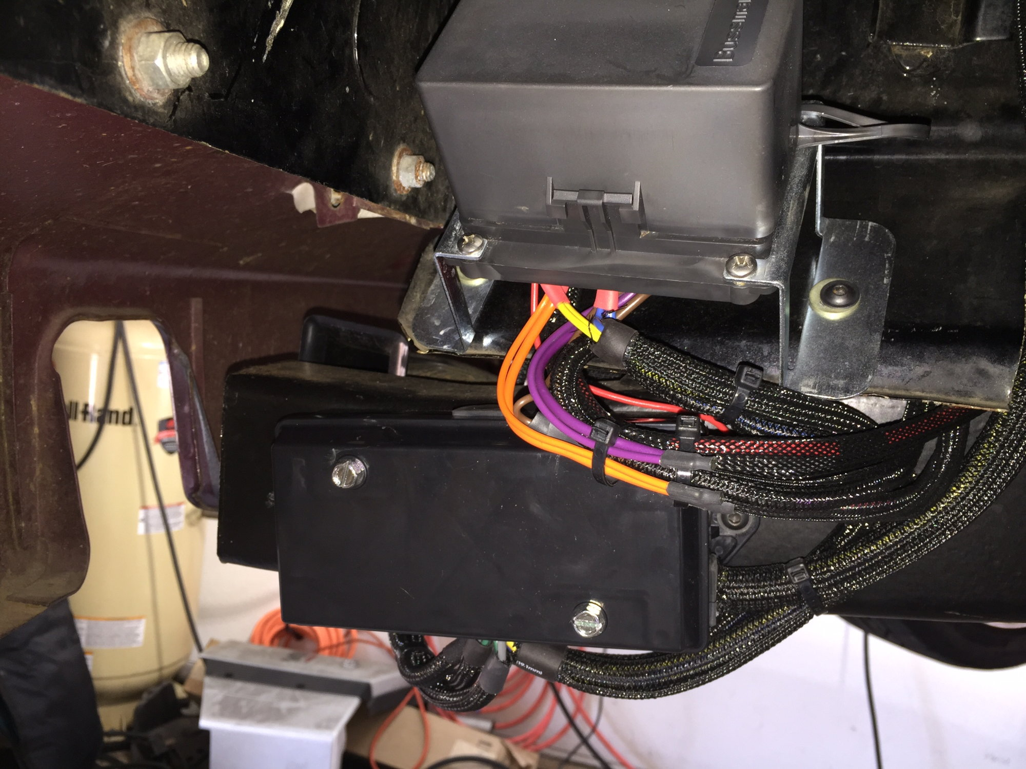 Trinary Switch For Ac Question Ls1tech Camaro And Firebird Forum Wiring Dual Electric Fans Box To Keep It From Blowing Fuses Every Time Starts Good Luck I Added The Fuse Relay In Drivers Wheel Well Lots Of Ways Do This