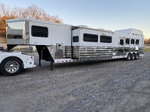 2007 Sundowner 49' Signature Series Dual Slide LQ 4-Horse Tr