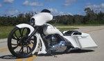 """30"""" Big wheel Harley bagger"""
