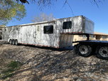 2006 Haulmark edge 48' with living quarters  for sale $32,000