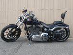 2014 Harley Davidson BreakOut Beautiful bike  for sale $9,500