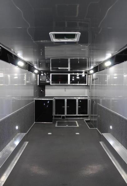Fully Finished Interior 2021 28' Edge
